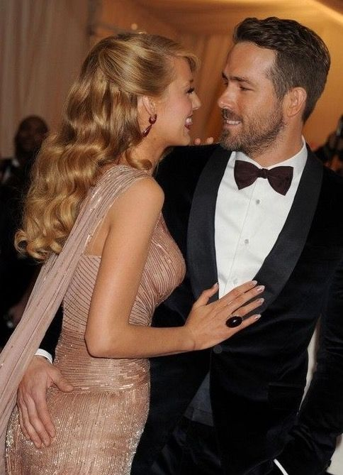 Ryan Reynolds and Blake Lively...what a beautiful couple! They look so happy :)