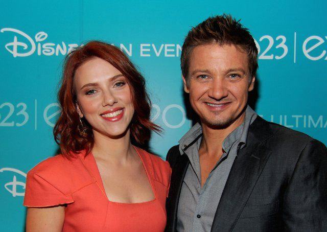 Scarlett Johansson and Jeremy Renner  They are just the cutest together!!!