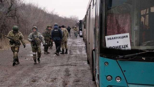 Via Laurent Brayard Les #Ukrainiens avaient refusé un corridor d'évacuation, les insurgés l'ont fait #Donbass