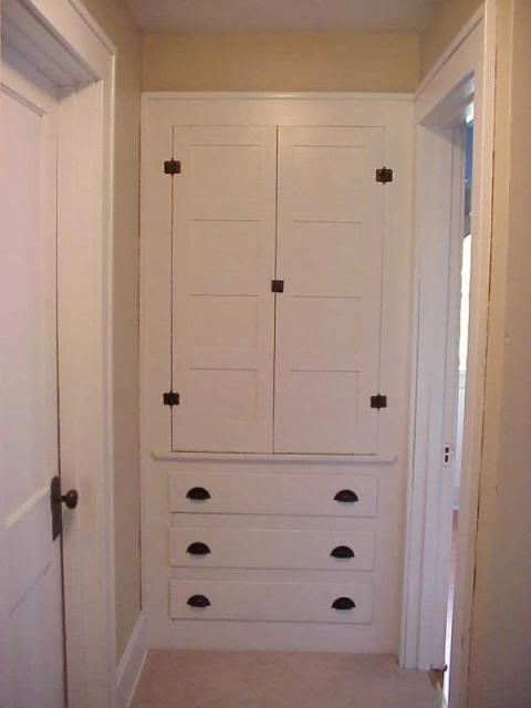 Extra storage space at the end of the hallway  For the