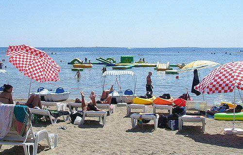 Medulin homokos strandja és a környék tengerpartjai, gyerekes strandjai.