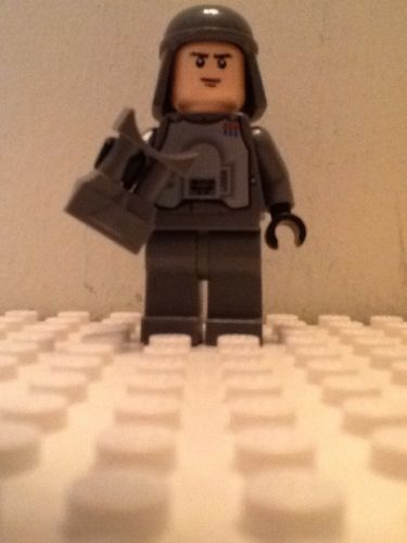 New Lego Star Wars Minifigure IMPERIAL OFFICER MINI FIGURE With SCOPE