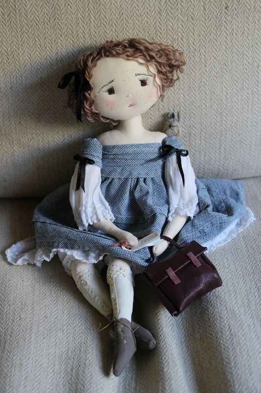 Marguerite entre à l'école primaire.