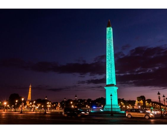 At the opening ceremony of Tiffany, Obelisk of the Place de la Concorde has changed to Tiffany Blue! ★ 【ティファニー】のオープニングセレモニーでは、コンコルド広場のオベリスクがティファニー ブルーに!