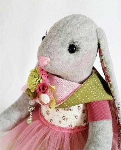 Зайка - балерина в розово-зеленом с овечкой. Текстильная игрушка. Handmade.