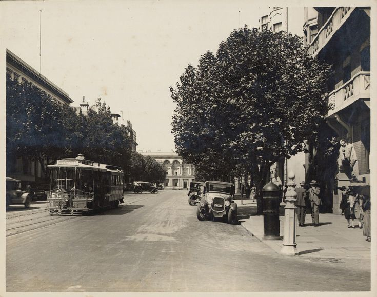 Collins St, looking towards Spring St, 1920s. SLV
