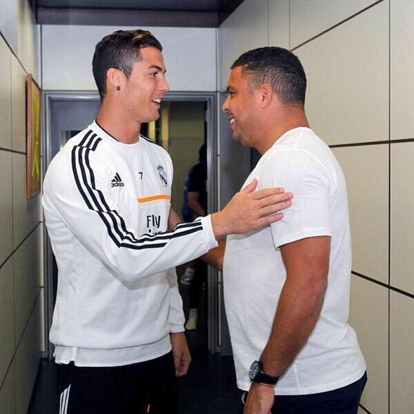 Quand les 2 Ronaldo se rencontrent - http://www.actusports.fr/125204/quand-les-2-ronaldo-se-rencontrent/