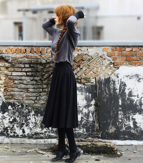 Sweatershirt, Maxi | Seven horses seen (by Nadia Esra) | LOOKBOOK.nu