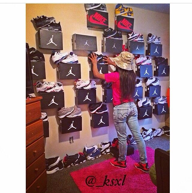 17 best images about chicks and kicks on pinterest for Jordan bedroom ideas