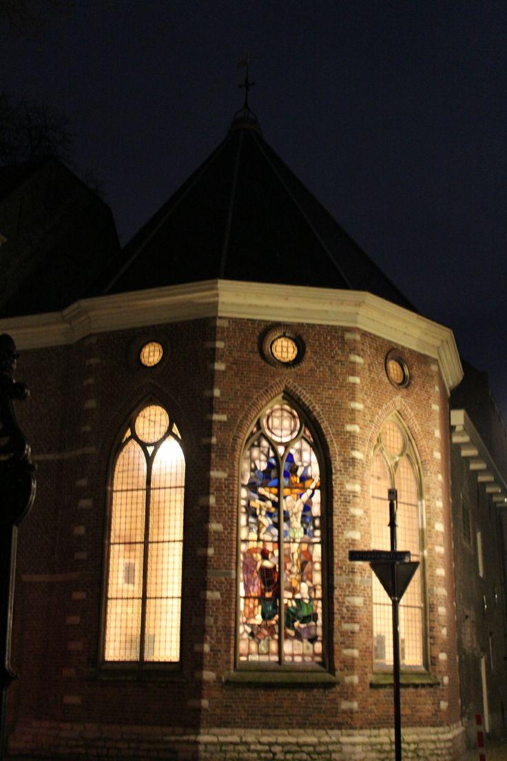 De historische Jeruzalemkapel - De dag na kaarsjesavond 2013 was het tijd voor de eerste editie van Candlelight Shopping in Gouda. Geniet van Gouda in kerstsfeer.