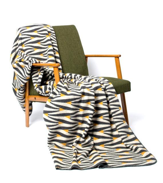 Knitted merino wool blanket  Retro pattern Large by LinaJohansson, kr1350.00