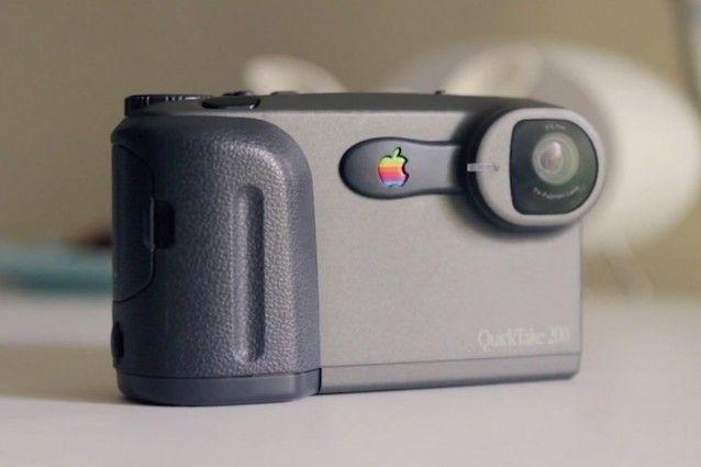 QuickTake, la prima macchina fotografica digitale di Apple compie 20 anni.