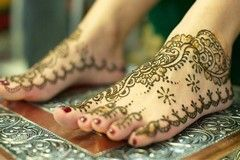 Simple Mehndi Designs For Feet & Henna Designs Images