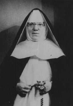 """Portrait of Mother Superior Alfonse, who hid Jewish children from the Nazis in the Dominican Convent of Lubbeek near Hasselt. Yad Vashem recognized her as """"Righteous Among the Nations."""" Belgium, wartime"""