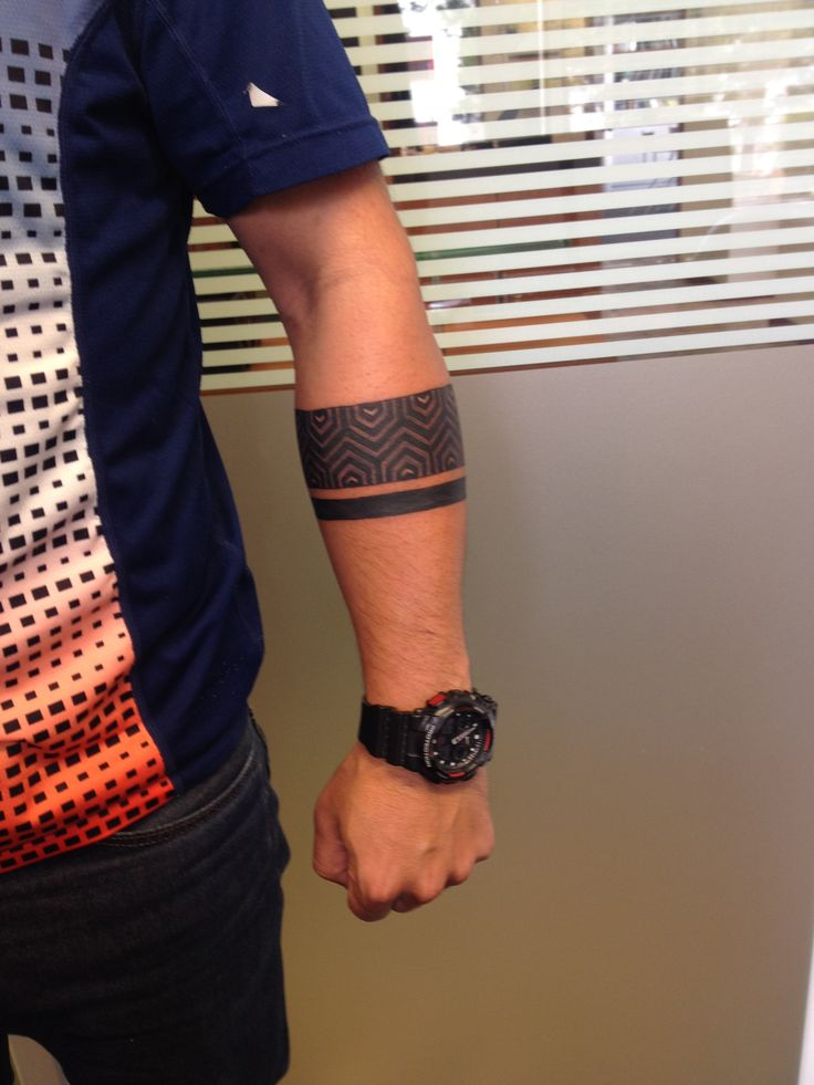 armband tattoo men geometric
