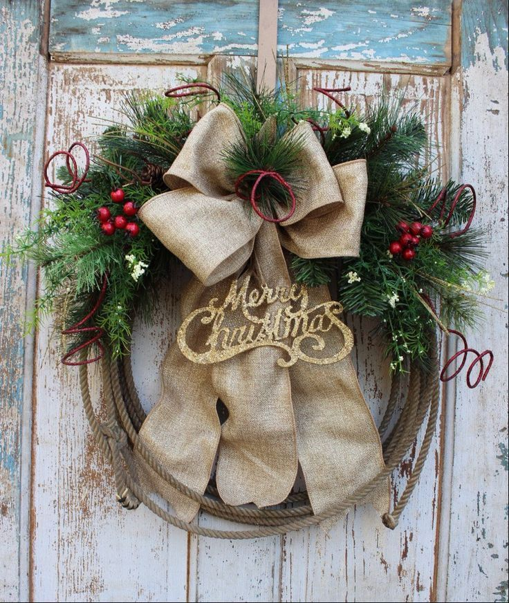 Cowboy Christmas Western Lariat Rope Christmas Wreath with Gold Merry Christmas Ornament, Burlap and Greenery / Rustic Holiday Wreath: