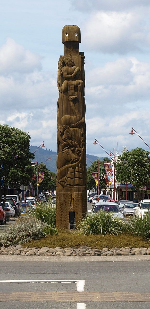 Maori Welcome Poles - Opotiki Church Street, Opotiki, New Zealand