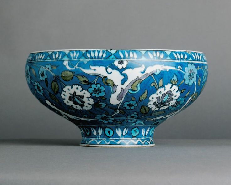 Bowl      Place of origin:      Iznik, Turkey (made)     Date:      ca. 1555-1560 (made)