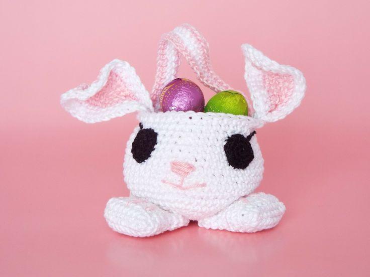 Cestino porta ovetti a forma di coniglietto all'uncinetto. Schema per realizzarlo