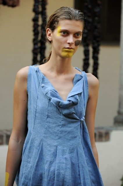 I have a linen dress that could use some interest around the color and maybe pin tucks....Daniela Gregis