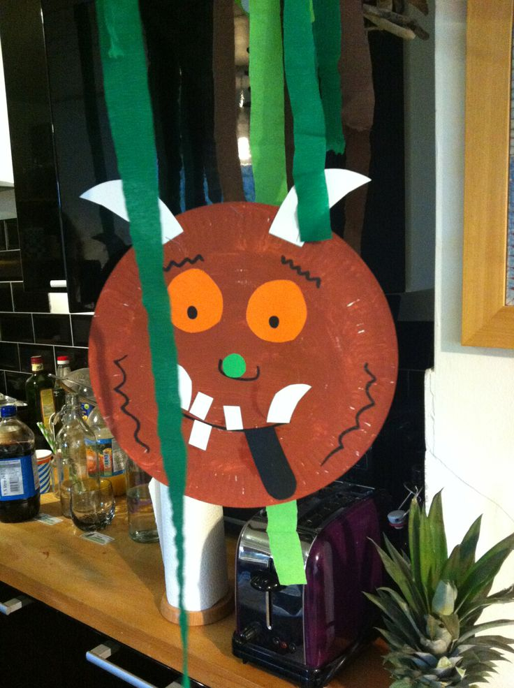 Paper plate decorations - Gruffalo
