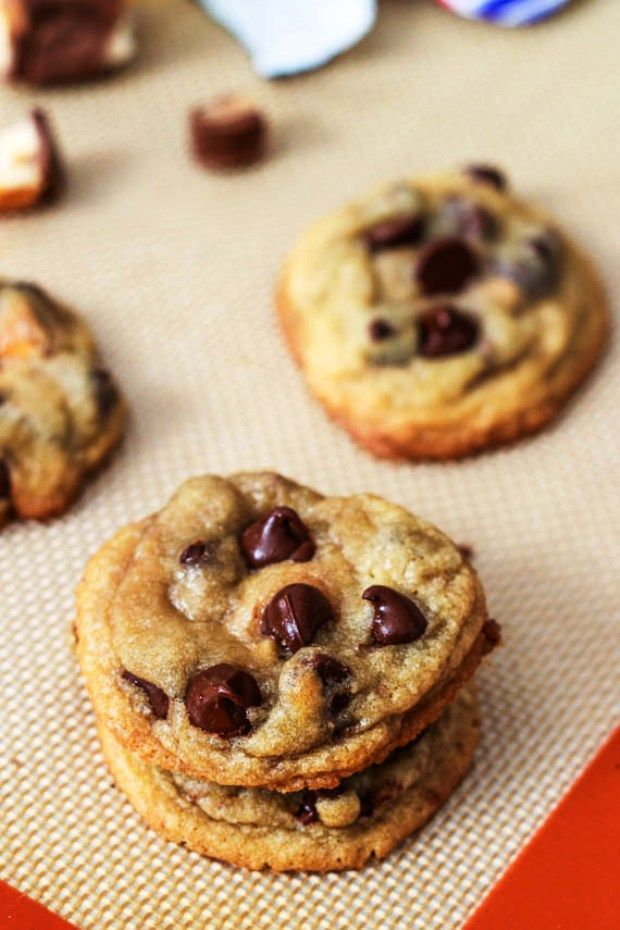 The Best Snicker Recipes Snickers Bar Stuffed Chocolate Chip Cookies