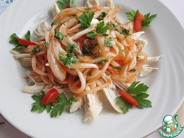 Два закусочных салата с маринованным луком ингредиенты