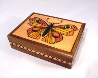 Carrito de té o caja de joyería o caja de recuerdo