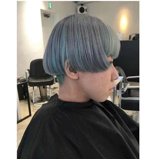 WEBSTA @ jooji99 - セクションカラーの仕上がり。トップはアルカリカラー10レベル グレー+アッシュ+ブルーバイオレットインナーセクションカラーはマニックパニックエンチャテッドフォレスト+ライラック×トリートメント希釈2016 hair Photo  177「tokyo 「  セクションカラー」#haircolor#外国人風カラー#헤어스타그램#염색#헤어스타일#뷰스타그램 #헤어스타일#미용실#염색#ハイトーン#ホワイトブリーチ#ブリーチ#pastelcolor#パステルカラー#セクションカラー#インナーカラー#greenhair##manicpanic#art#creation#マニックパニック#hair#photographer #photography