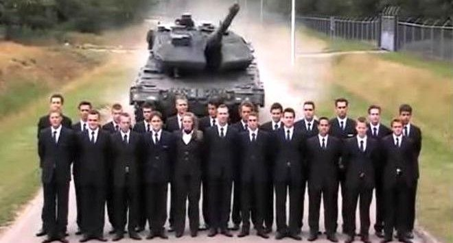 Ένα απίστευτο πείραμα στην Ολλανδία απαθανάτισε ο τηλεοπτικός φακός. Στόχος η δοκιμή των φρένων ενός άρματος μάχης Leopard…