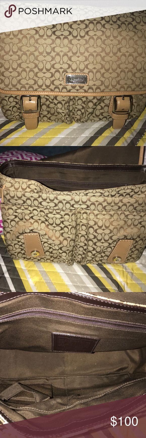Coach messenger Bag Coach messenger bag! Pre-loved! Great for school, fits notebooks, laptops etc. Coach Bags Crossbody Bags