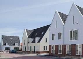 Karakteristieke nieuwbouw in een pittoresk lintdorp? Wat dacht je van de huizen van De Molenaer in Westzaan! Bezoek het project tijdens de Zaanse Nieuwbouwdagen 11 en 13 april 2013.