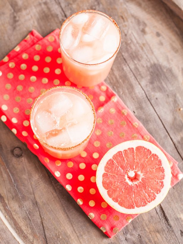 HGTV's February Color of the Month Offers a Taste of Spring (http://blog.hgtv.com/design/2014/02/05/hgtvs-february-color-of-the-month-pink-grapefruit/?soc=pinterest)Spicy Grapefruit Margaritas, Yummy Drinks, Margaritas Recipe, Life Style, Colors Schemes, Cocktails Drinks, Refreshing Drinks, Simple Syrup, Margaritas Cocktails