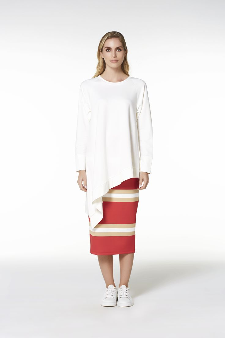 ASYMETRIC COTTON BLOUSE AND PRINTED PENCIL SKIRT