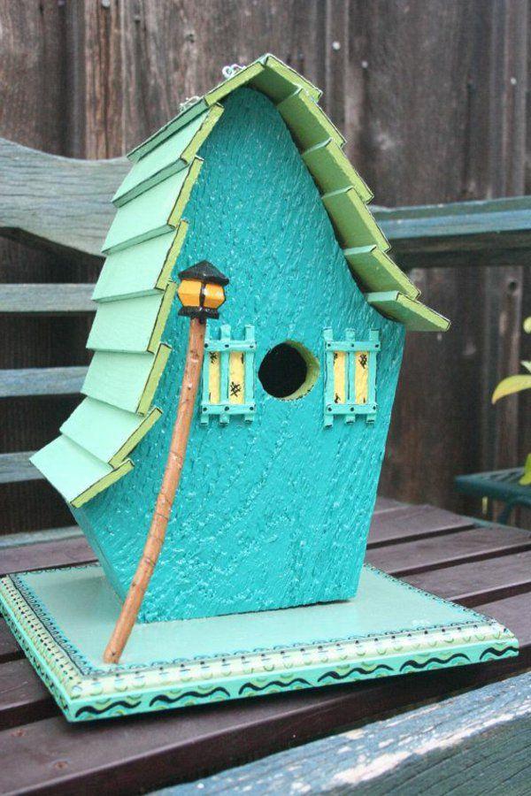holz umweltfreundlich blau bemalt vogelhaus selber bauen