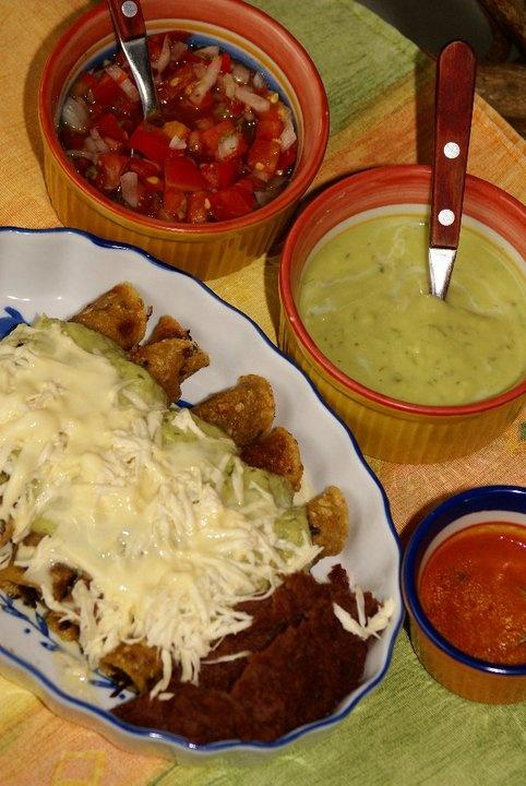Flautas de pollo en Tijuana!! Urdesa Central