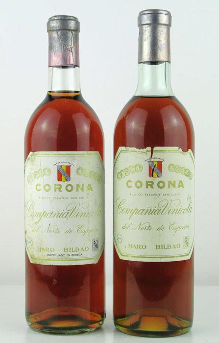 NV Rioja White halfzoete CVNE Corona 1940 - 2 flessen  2 flessen CVNE Corona (laat van 40 - datum (bij benadering): 1940-1943) Blanco - 75 cl.Wijn gekocht aan een voormalig wijn distributeur in Haro La Rioja in 2015.Opgeslagen in privé kelder tot vandaag.Zoete wijn geproduceerd uit overrijpe druiven. Late oogst gemaakt aan het einde van November voor superieure druif rijpheid. Traditionele Riojan stijl vrij gelijkaardig aan Sauternes wijn die wordt verkregen door een bundeling van de…