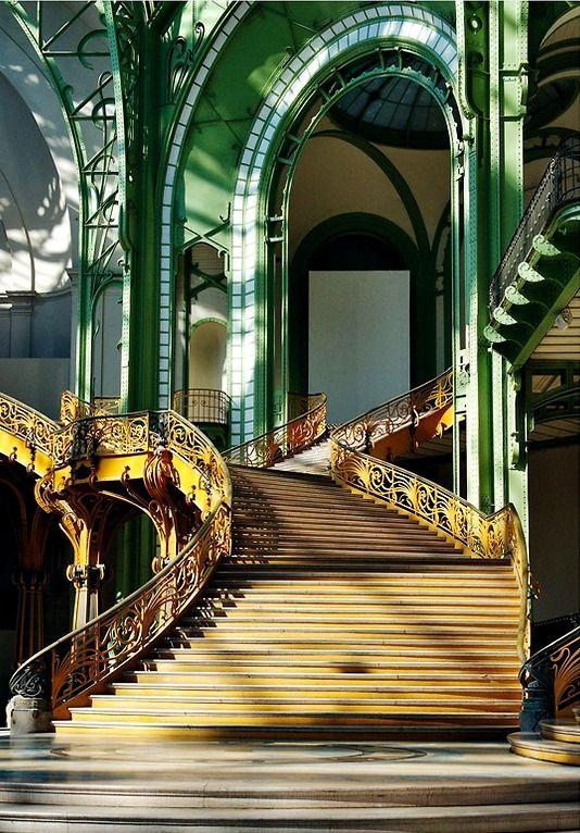 steampunktendencies:  Grand Palais staircase - Paris