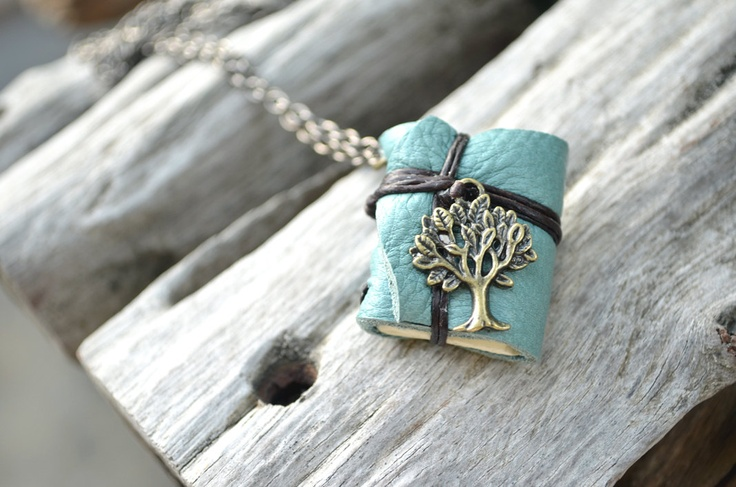 Little book necklace. Real leather, real pages - save memories, perhaps?Etsy, Real Leather, Gift Ideas, Beautiful, Necklaces Trees, Saving Memories, Blue Leather, Miniaturebook Necklaces, Trees Blue