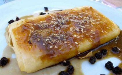 Φέτα στο φούρνο με φύλλο πίτας