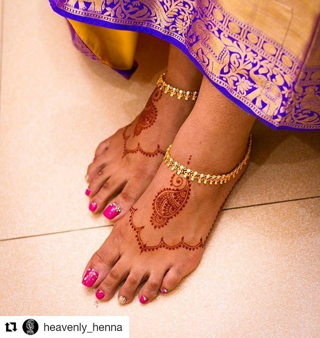 #follow@hennafamily #hennafamily #Repost @heavenly_henna  Simple feet!  Love it when clients send me the professional photos of their henna.  --------------------------------------------- #henna #heavenlyhenna #hennaart #mehendhiart #mendhiart #instahenna #weddinghenna #wedding #mehendhisg #singapore #hennaartist #mendhiartist #instahenna #weddinghenna  #hennabeautyx #hennainspire #hennalookbook #singapore#comeandglam #instapics