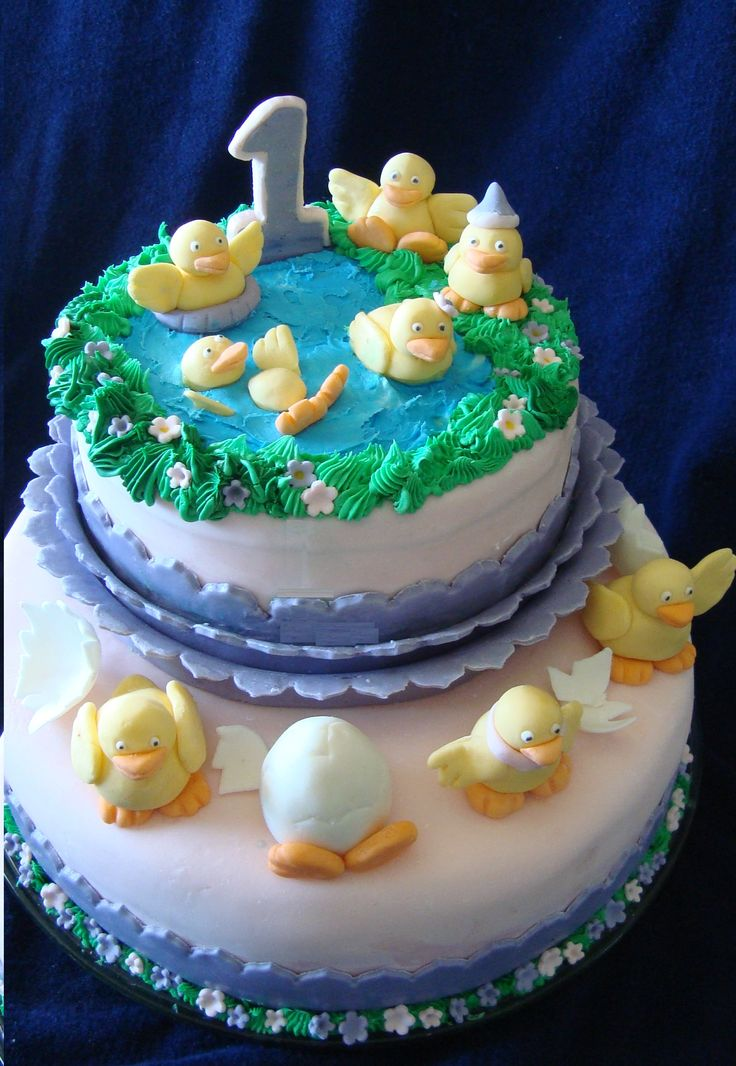 A 1 year old birthday cake. Party Ducks