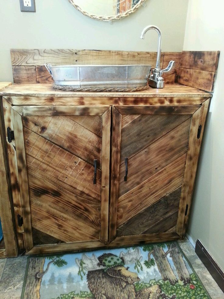 17 best ideas about pallet vanity on pinterest pallet for Bathroom ideas made from pallets