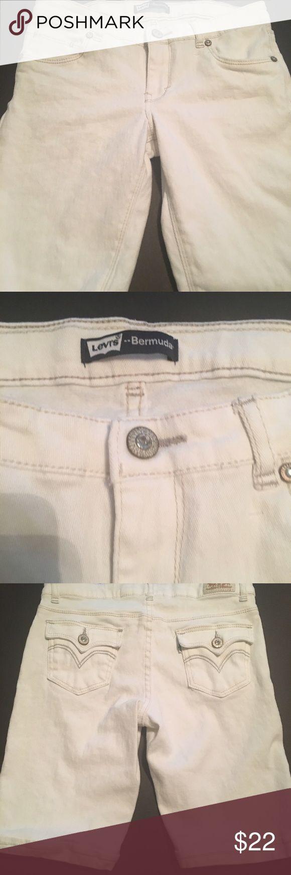 Levi Bermuda denim shorts girls Levi denim white Bermuda girls size 16 shorts NWOT Levi's Bottoms Shorts