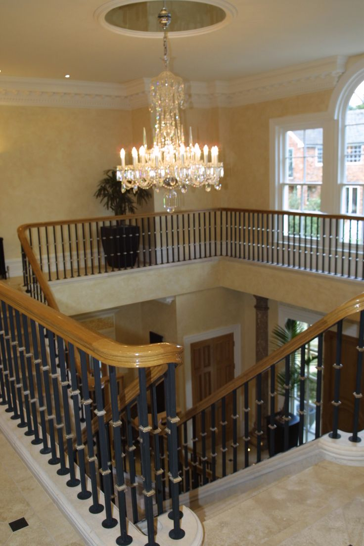 Designed By Angel Martin Interiors Www.angelmartin.org Traditional  Staircase #staircase #traditionalstaircase