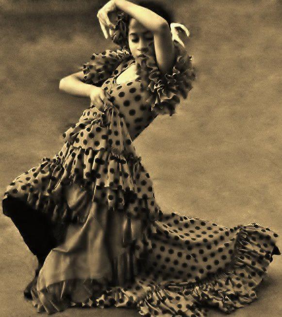 Flamenco con Raices interpretación en el Puerto de San Diego en el Whale Days Festival, enero 21 de 2012.. que arte es de esta niña!! Flamenco With Roots performing at the Port of San Diego Whale Days Festival ~ January 21, 2012. So much duende in this young dancer!