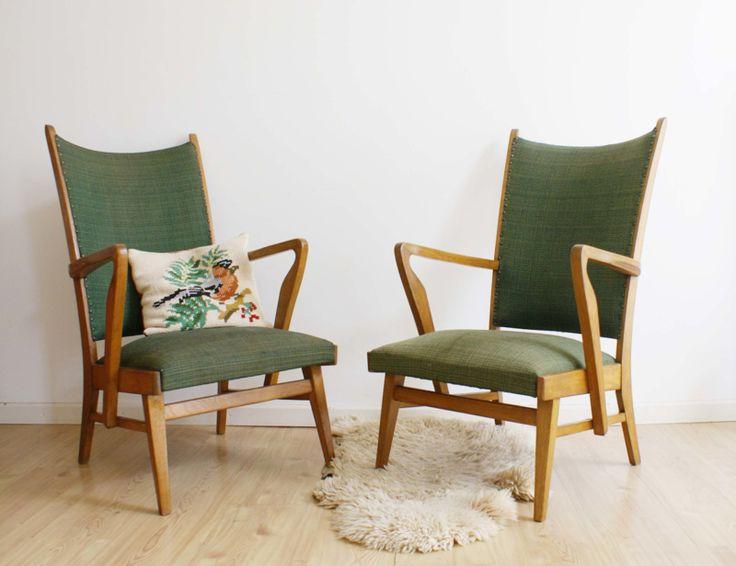 Set van 2 vintage jaren 50/60 fauteuils met voetenbankje. Groene retro stoelen met kruk.