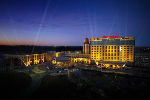Hollywood Casino St. Louis (777 Casino Center Drive) Less than 8 miles from Lambert International Airport, this St. Louis hotel features a free airport shuttle and modern rooms with free Wi-Fi. The hotel also features a 120,000-square foot casino and on-site dining options. #bestworldhotels #hotel #hotels #travel #us #missouri