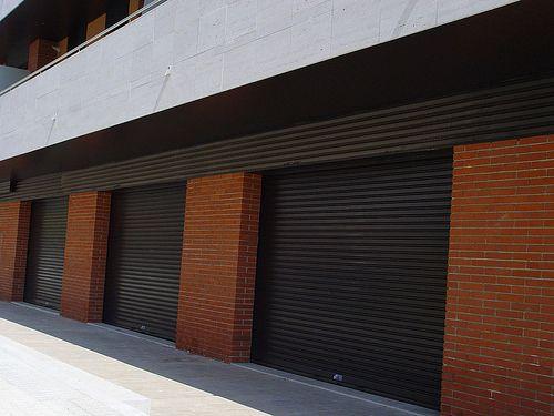 Instalación puertas enrollables hierro