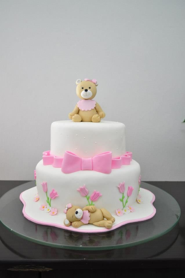 Teddy bear pink cake